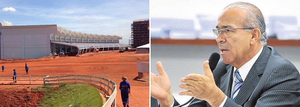 Retomada das obras é determinação da presidenta Dilma Rousseff, que garantiu, durante sua última visita a Goiânia, a conclusão do terminal até novembro deste ano; ampliação prevê investimento de R$ 220 milhões e inclui pátio para estacionamento, pistas de táxi das aeronaves, bem como o estacionamento dos veículos e o sistema viário interno do aeroporto; terminal de passageiros, que já está 88,41% concluído, receberá R$ 246,2 milhões