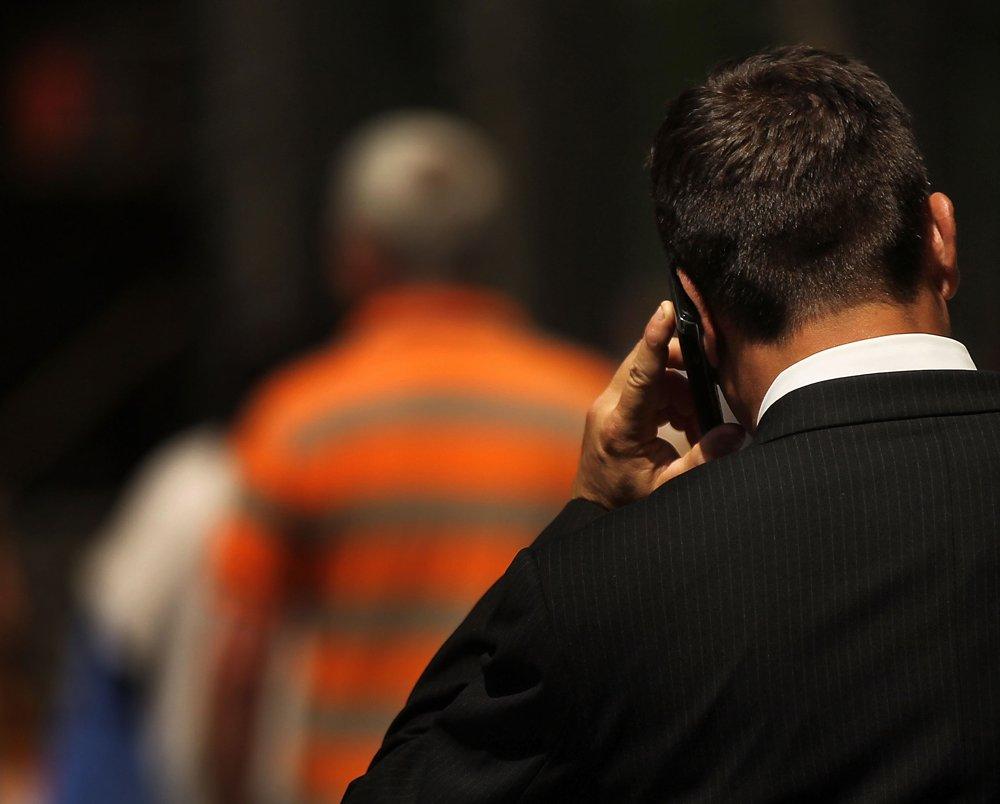 A saída é a mobilização popular dos consumidores para forçar  que as operadoras cumpram as normas da Anatel apesar de liminares na Justiça garantindo o contrário