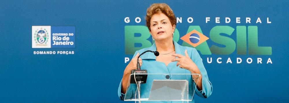 Rio de Janeiro - RJ, 12/03/2015. Presidenta Dilma Rousseff durante cerimônia de entrega das obras de expansão e modernização dos terminais privados de Libra, Multi-Rio e Multi-Car - Porto do Futuro. Foto: Roberto Stuckert Filho/PR