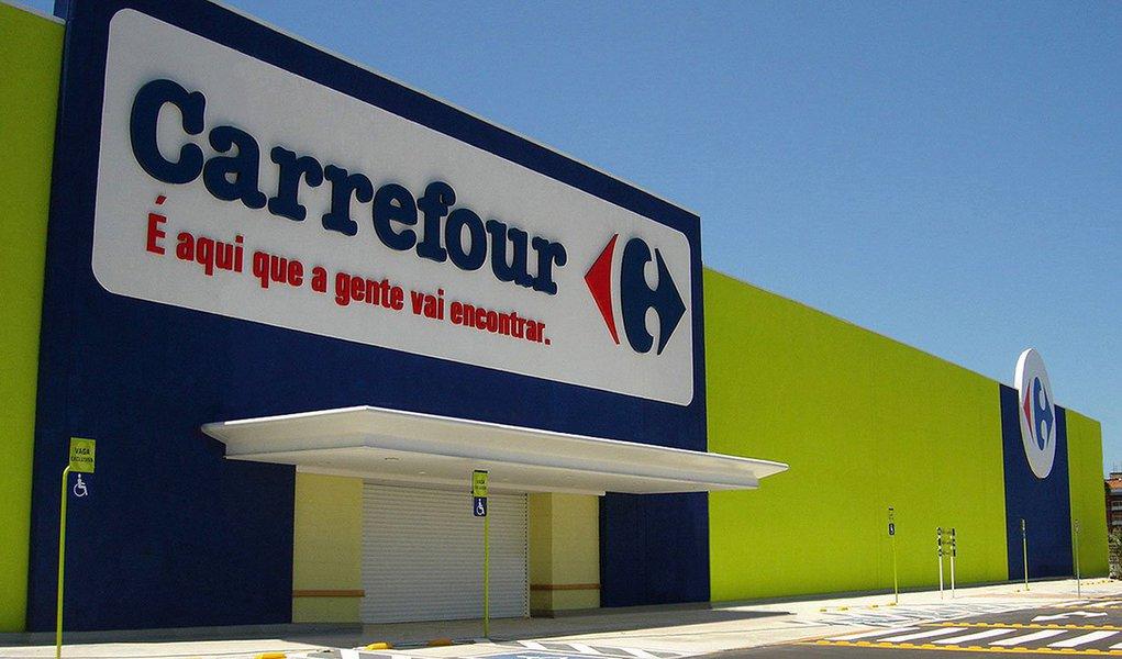 Vice-presidente financeiro do Carrefour, segunda maior varejista do mundo, reiterou que a companhia está pronta para uma oferta pública inicial de ações (IPO) no Brasil; empresa aumentará os investimentos neste ano, para cimentar um renascimento dos seus hipermercados europeus e se expandir no Brasil, mercado emergente chave