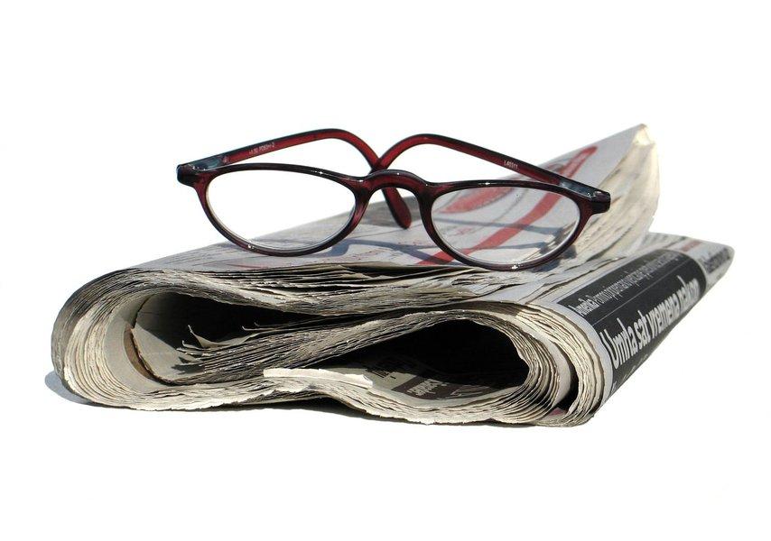 """A morte dos jornais impressos foi decretada neste fim de semana por um dos herdeiros do centenário jornal Estado de S. Paulo, o empresário Rodrigo Mesquita; """"Os meios tradicionais de massa, do jornal à tv, estão mortos. é uma questão de tempo"""", disse ele, no Twitter"""