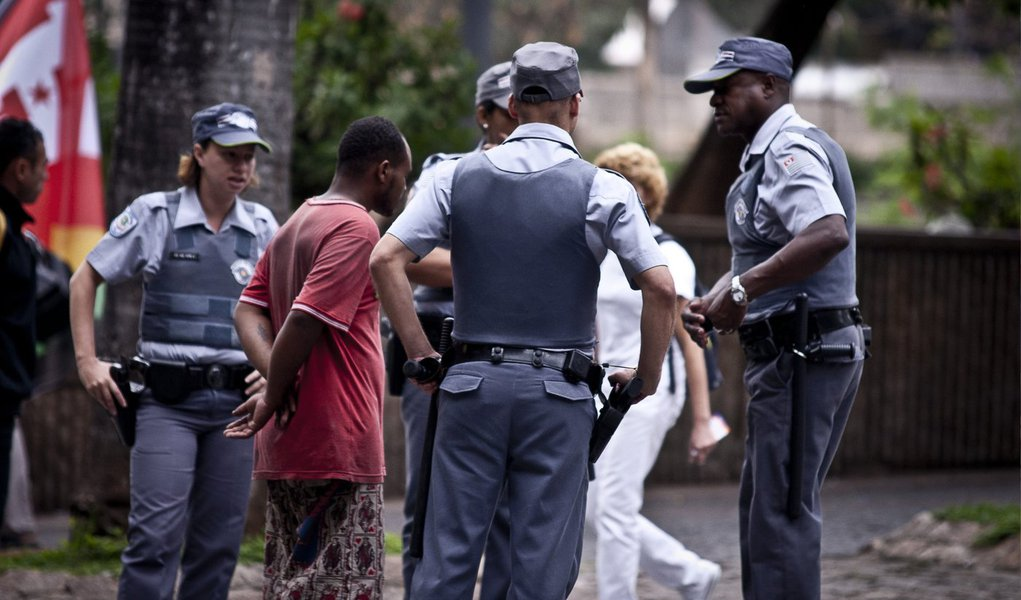 O número de roubos continua crescendo no estado de São Paulo, e pelo 17º mês seguido outubro registrou aumento de 14% em relação a igual mês do ano passado