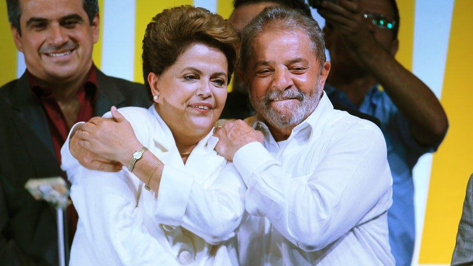 """Esta é a vitoria da luta contra o ódio, contra o fascismo de alguns, contra as idéias nazistas de outros.  Esta é a vitoria de um """"Brasil para todos"""", de um Brasil que rejeita sua divisão"""