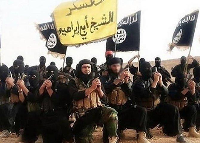 Com o Isis é diferente, não se busca atacar e morrer. A lógica é de ocupação territorial, daí a melhor maneira é eliminar marcialmente todos aqueles que incomodam