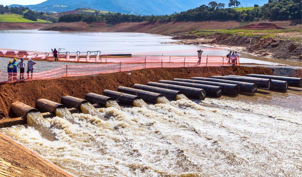 O Sistema Cantareira, principal da região metropolitana de São Paulo, voltou a captar água da chuva neste domingo e segunda-feira 30, depois de uma semana sem chover no local