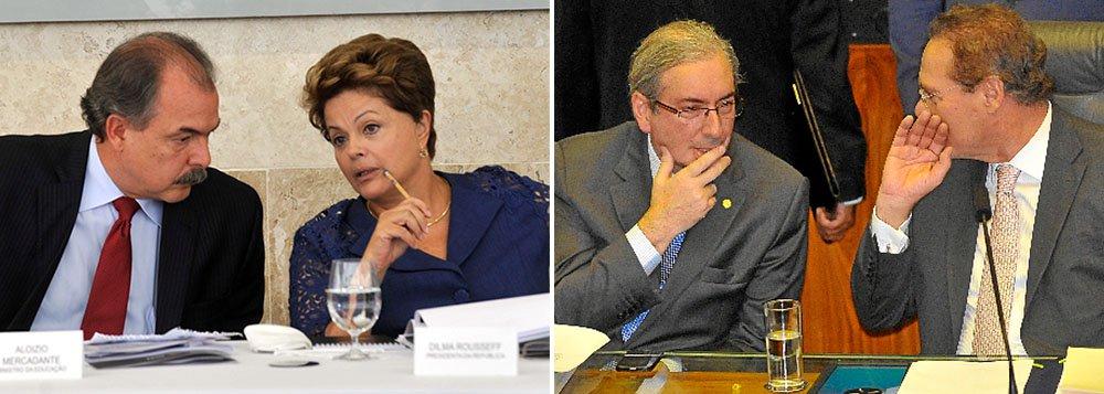 O Palácio do Planalto resolveu adotar uma nova estratégia para evitar um desgaste ainda maior com o PMDB, maior partido da base aliada e que encontra-se ressentido com a presidente Dilma Rousseff e com o PT; a ordem agora é ignorar os ataques desferidos pelo presidente da Câmara, Eduardo Cunha (PMDB-RJ), e do Senado, Renan Calheiros (PMDB-AL), para reconstruir o diálogo e conseguir aprovar as medidas do ajuste fiscal que precisam passar pelo Congresso Nacional