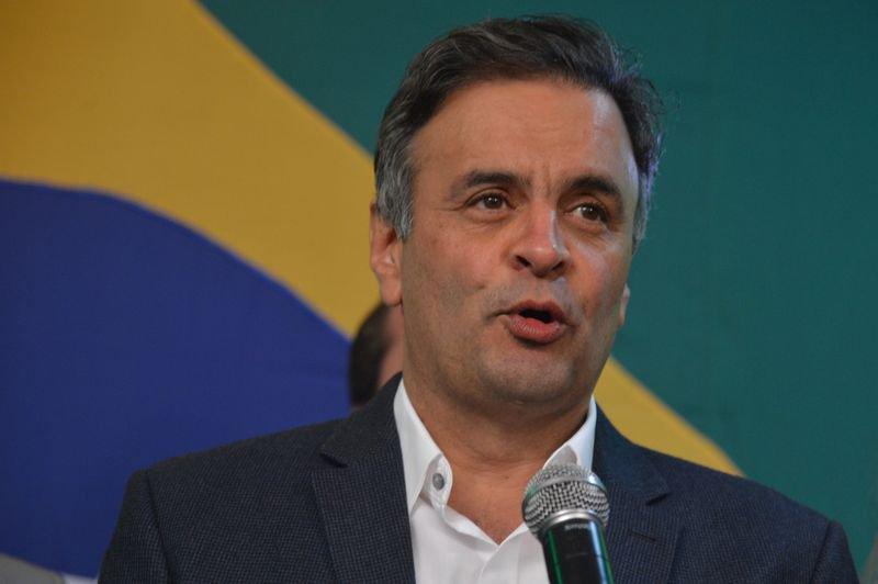 Os candidatos do PSDB à Presidência e ao Ministério da Fazenda querem mesmo nos convencer de que o culpado pelo não crescimento da economia e pela existência de – qualquer – inflação é do salário?