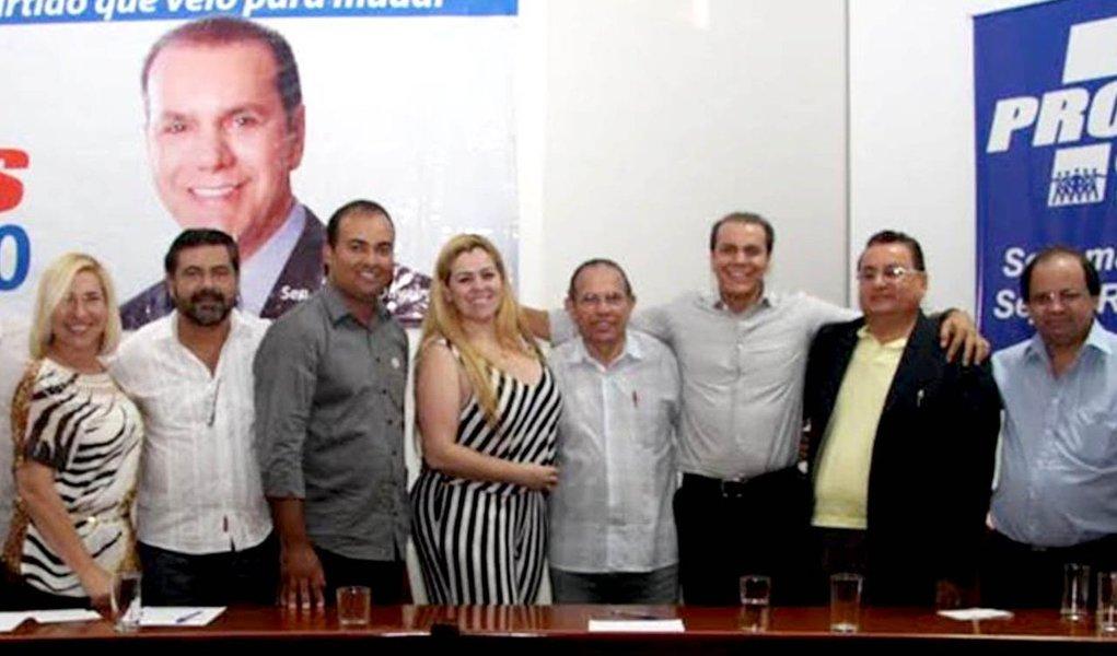 """""""Nossa postura tem sido o diálogo franco e aberto, e assim tem sido também com o PT, o PCdoB e o PV. A nossa expectativa é que até o fim do mês de junho vamos trazer mais esses importantes partidos, visto que as conversas já estão bem adiantadas"""", afirmou Ataídes; os pré-candidatos Paulo Mourão (PT) e Marcelo Lelis (PV) desistirão de suas pré-candidaturas a governador para apoiar Ataíde?"""