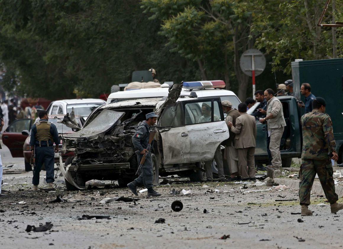 Explosão mais violenta aconteceu no distrito de Bayaa, onde um carro bomba explodiu matando 23 pessoas, muitas delas jovens que jogavam bilhar; informações mais detalhadas sobre as demais explosões ainda não foram divulgadas