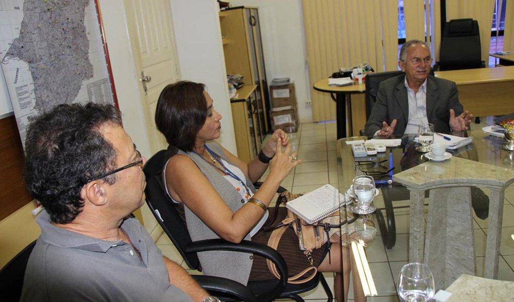 O protocolo da parceria firmada pelo secretário estadual de Ciência e Tecnologia, José Costa e o representante da Embrapa, Carlos Feitas deve ser assinado em duas semanas; a Embrapa quer aproveitar a plataforma educacional da Universidade Virtual do Maranhão (Univima) para capacitação dos trabalhadores na agricultora familiar no Maranhão