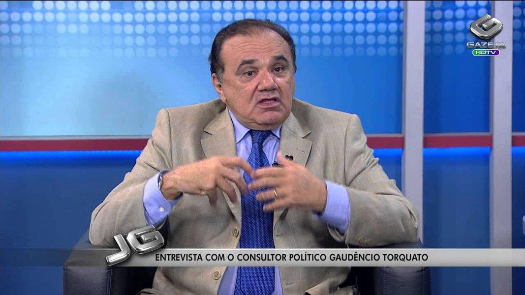 """Tese é do cientista político Gaudêncio Torquato; """"A ideia lançada por Lula pegou. A eleição de outubro deverá ser a mais povoada de """"postes"""" nesses tempos cheios de surpresas, reviravoltas e maquinações no terreno político"""", diz ele; """"Seguindo essa vereda, os governadores Cid Gomes, Roseana Sarney, Eduardo Campos, pré-candidato à presidência, e Jaques Wagner, entre outros, dão mostras de que o modo lulista de escolher candidato é a invenção da vez"""""""