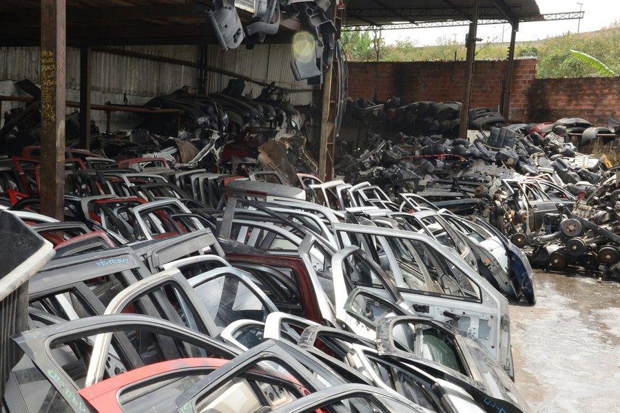 Com a nova legislação, sancionada pelo governo paulista nesta quinta-feira 2,as empresas que comercializam peças de carros desmontados terão que se cadastrar no Detran e haverá um sistema para rastreamento de todas etapas de desmontagem