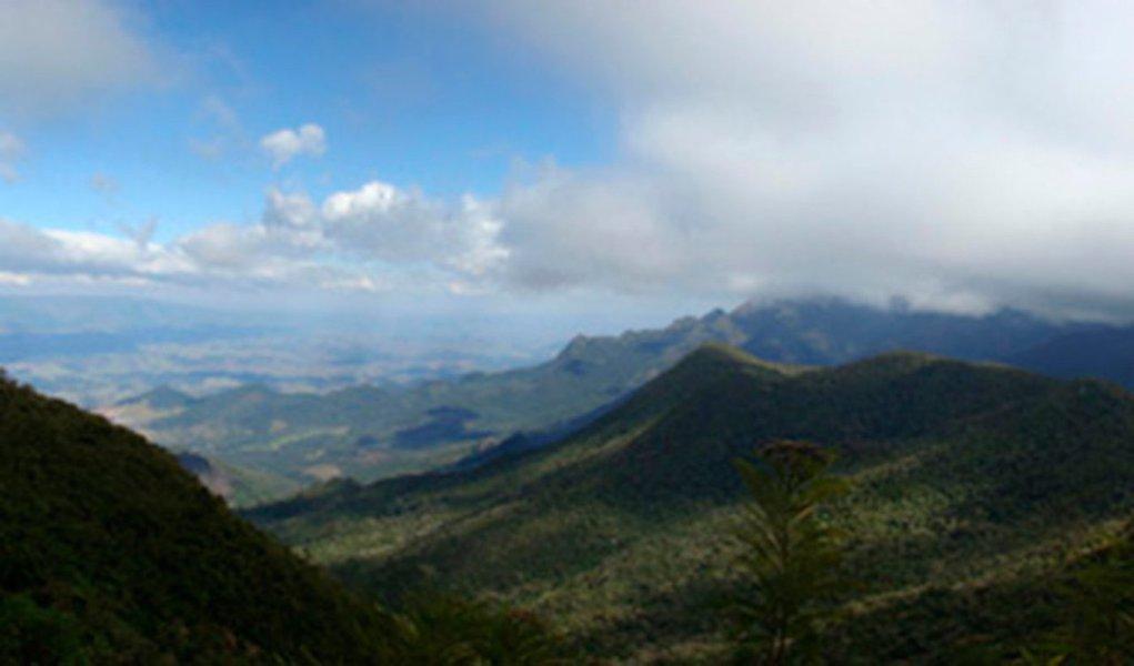 Mais antigo parque nacional do Brasil, com localização privilegiada – entre São Paulo e Rio de Janeiro, perto da Via Dutra –, o Itatiaia é um símbolo da imensa beleza natural do nosso país e da sua também enorme negligência em administrá-lo