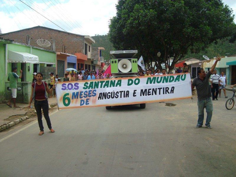 A delegacia de Santana do Mundaú está fechada há um ano por falta de policiais. Com cerca de 18 mil habitantes, o município dispõeatualmente de apenas quatro policiais militares