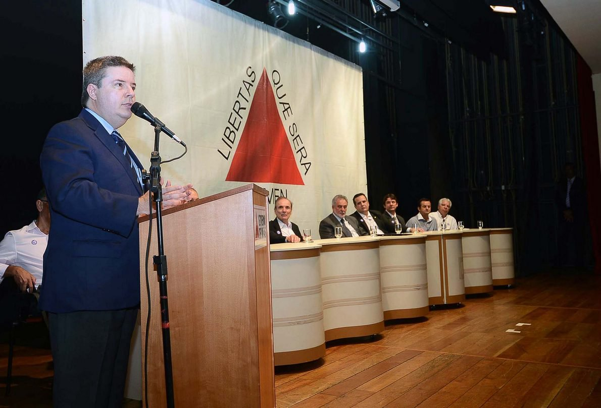 A região de Varginha, no Sul de Minas, terá mais R$ 160 milhões para investimentos na área de infraestrutura, importante para o desenvolvimento socioeconômico dos mineiros. O governador Antonio Anastasia autorizou, nesta quinta-feira (27/02), a celebração