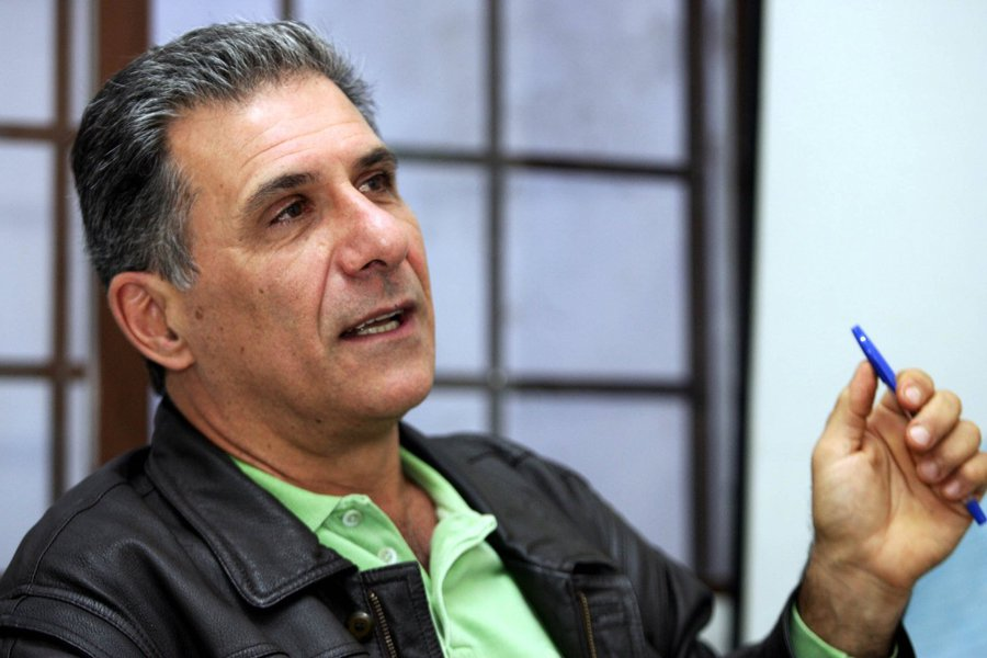 """Ao usar o termo ditadura branda em debate na 2ª Bienal Brasil do Livro e da Leitura, o escritor Domingos Pellegrini causou polêmica; """"Na Argentina, no Uruguai e no Chile o número de mortos, feridos e torturados foi maior. São números. Se formos comparar, a censura à imprensa no Brasil foi mais branda. Não chegava a prender ninguém. Era uma avacalhação"""", disse; plateia reagiu com indignação"""