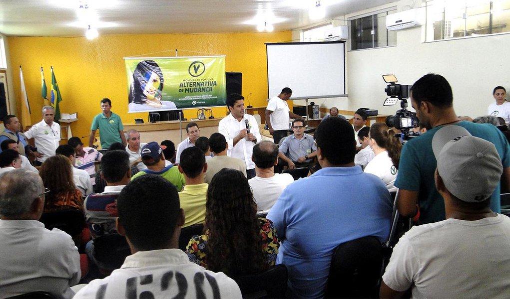 """""""O movimento quer promover um debate em prol do Tocantins e seu povo. Estamos ouvindo os diversos setores da sociedade para que todos contribuam para a construção de um projeto de desenvolvimento para o nosso Estado, que seja plural e democrático, atendendo às necessidades reais da população e que possa promover as mudanças que o nosso povo espera e merece"""", afirmou o presidente do PV no Tocantins, deputado Marcelo Lelis"""