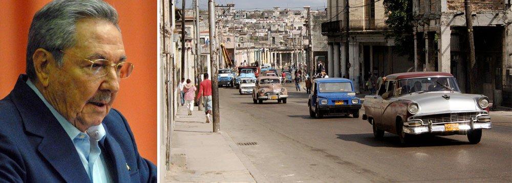 Em uma das reformas mais aguardadas de sua gestão, o presidente Raúl Castro autorizou a importação e a comercialização de automóveis, depois de cerca de cinquenta anos de controle