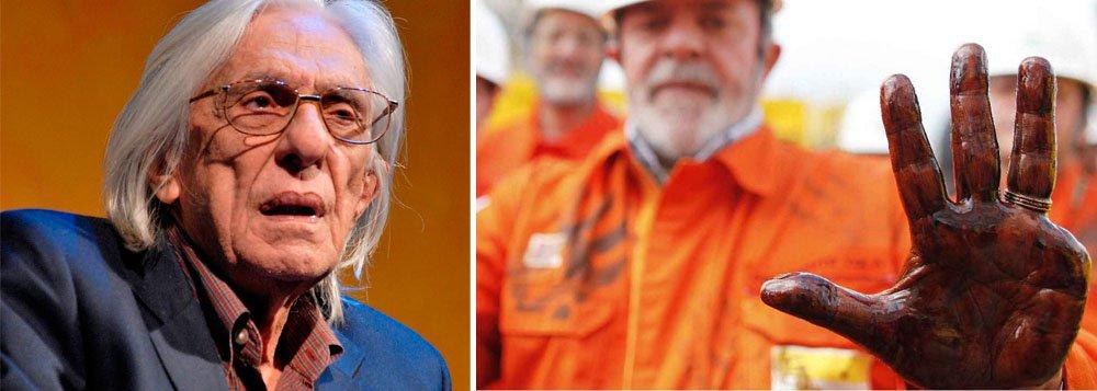 """Poeta maranhense Ferreira Gullar, que tem aversão escancarada ao ex-presidente Lula, usa o caso Petrobras para, mais uma vez, destilar seu ressentimento; """"A verdade é que a história da Petrobras, desde que caiu nas mãos de Lula, tem sido desastrosa"""", afirma"""