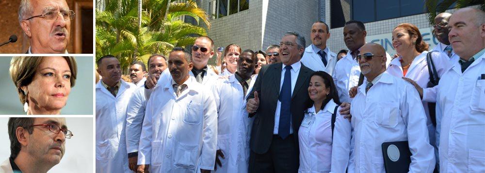 """Ministro da Saúde falou grosso contra os que incitam o preconceito e a discriminação contra os médicos estrangeiros; """"Não admitimos qualquer incitação ao preconceito e à xenofobia. Temos que receber de braços abertos médicos e médicas que aceitaram esse chamamento"""";sobre o presidente do CRM-MG, que disse que orientaria médicos a não corrigir erros de cubanos, ele disse que seria """"omissão de socorro""""; mensagem também atinge colunistas, como Eliane Cantanhêde e Reinaldo Azevedo, que falam em """"escravos"""""""