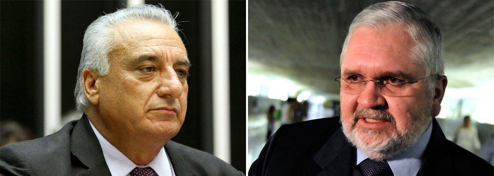 Segundo a Receita Federal o valor movimentado entre janeiro de 2011 e outubro de 2012 é incompatível com a renda de Carlos Roberto (PSDB-SP). Abertura de inquérito foi solicitada pelo ex-procurador-geral da República Roberto Gurgel e formalizada pelo ministro Luiz Fux