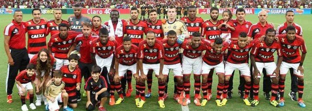 O Flamengo conquistou na tarde deste domingo, em um Maracanã que recebeu um bom público, seu 33º título Estadual, ao obter um empate dramático em 1 a 1, aos 45 minutos da etapa final com o rival Vasco da Gama; o Rubro-negro jogava pelo empate para ficar com o título estadual, por ter feito a melhor campanha da primeira fase do Campeonato Carioca