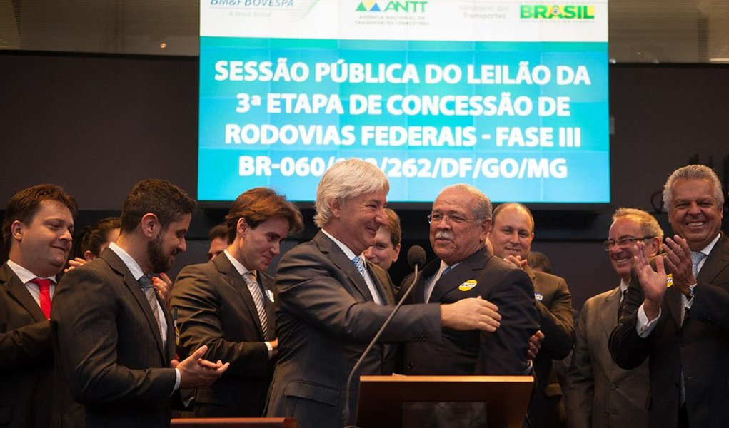 Saldo de concessões poderá chegar a praticamente 4,25 mil com o leilão de mais 936,8 km da BR-040, entre Brasília e Juiz de Fora (MG), previsto para esta sexta-feira; com isso, o ano fechará com 81% de aumento da malha federal de rodovias transferida à iniciativa privada