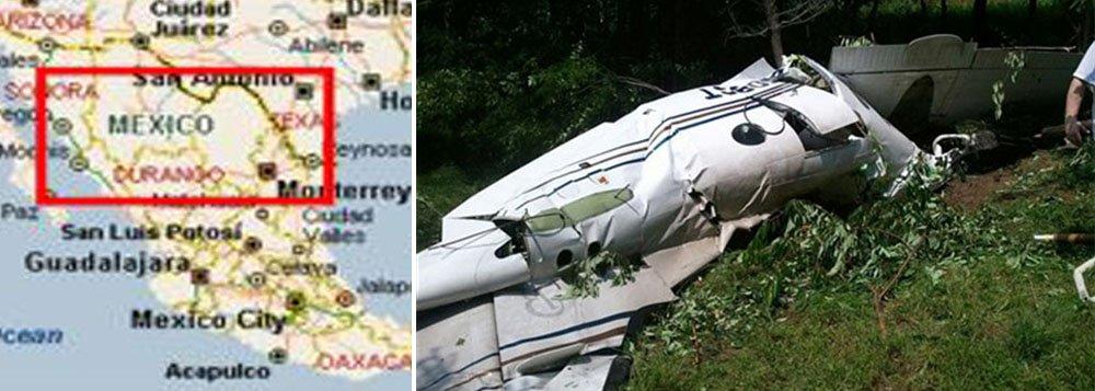 A aeronave, um Hawker 800 de oito lugares, caiu sobre um armazém vazio em um parque industrial da localidade de Ramos Arizpe, 850 quilômetros ao norte da capital, matando todas as pessoas a bordo, disse a Procuradoria do Estado de Coahuila em comunicado; aeronave voava da ilha de Cozumel, na Riviera Maia, no sul do México, para o aeroporto de Ramos Arizpe; causas do acidente não estavam imediatamente claras