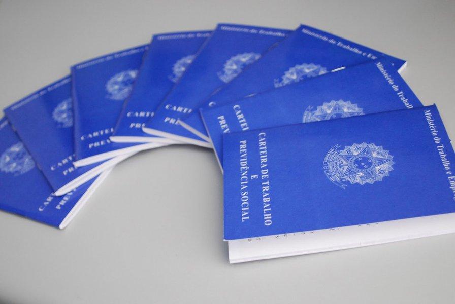 De acordo com o Ministério do Trabalho, a novidade tem como objetivo reduzir fraudes e aumentar a segurança no pagamento. Segundo a resolução, a identificação biométrica será exigida tanto no recebimento do seguro-desemprego em dinheiro quanto no saque do benefício em conta bancária