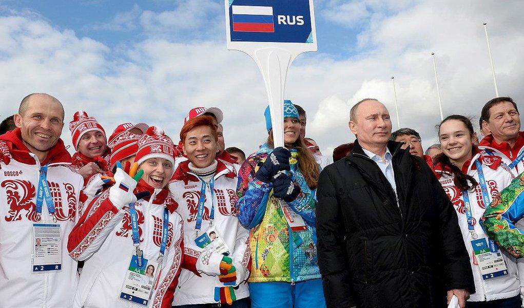 Os atletas russos conquistaram 33 medalhas, sendo 13 de ouro, 11 de prata e nove de bronze; os jogos aconteceram neste ano na própria Rússia, em Sochi; em segundo lugar, ficou a Noruega, com 26 medalhas, 11 de ouro, cinco de prata e dez de bronze; em terceiro, o Canadá, com 25 medalhas, sendo dez de ouro, dez de prata e cinco de bronze; o Brasil não conquistou nenhum medalha