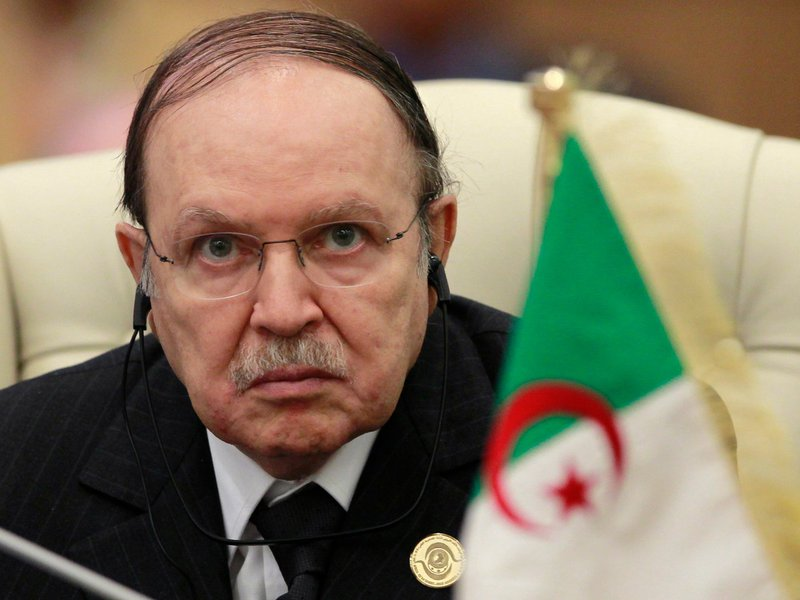 Bouteflika, que tem 77 anos de idade e ainda se recupera de um derrame cerebral que o atingiu no ano passado, teve menos votos do que nas eleições de 2009 e 2004