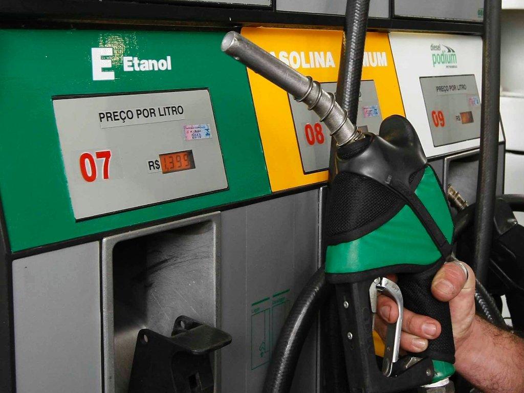 Tributos terão a alíquota zerada até 31 de dezembro de 2016;redução não afeta apenas o etanol usado como combustível, mas todos os tipos de álcool