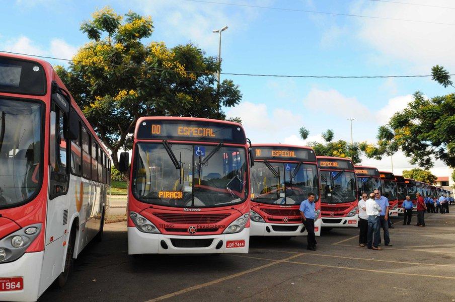 117 novos ônibus foram entregues neste sábado (28) aos moradores de Fercal e Sobradinho I e II. Renovação da frota atinge 50%. Expectativa é de que até fevereiro a renovação total seja concluída no Distrito Federal atingindo um número de 2.580 novos ônibus em circulação