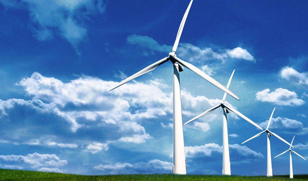 A Empresa de Pesquisa Energética (EPE) habilitou 377 empreendimentos de parques eólicos para o próximo leilão de energia de reserva, marcado para o próximo dia 23;os futuros empreendimentos serão instalados em oito estados, sendo sete no Nordeste e um no Sul; o maior número de projetos habilitados é na Bahia, com 123 projetos e 2.920 MW