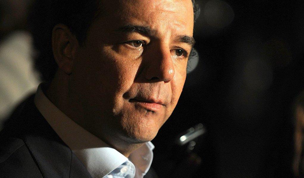 Nova data para o vice Pezão assumir será 3 de abril; saída de Cabral do governo está vinculada a sua estratégia de campanha em 2014; peemedebista tem deixado vazar que deverá se candidatar a deputado federal e começa a fechar acordos para ter o maior número de votos possíveis no estado