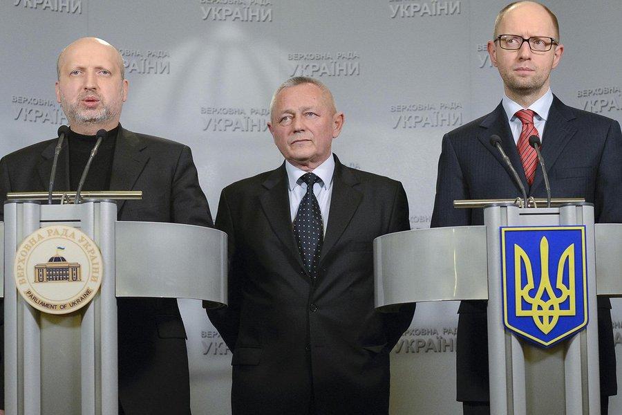 """""""Um acordo foi alcançado com a Esquadra do Mar Negro (da Rússia) e o Ministério da Defesa da Rússia para uma trégua na Crimeia até 21 de março"""", disse Ihor Tenyukh, ministro em exercício da Defesa da Ucrânia,a jornalistas no intervalo de uma reunião de gabinete"""