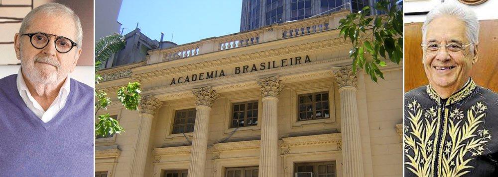 Autor de romances que venderam relativamente bem, incluindo Assassinato na Academia Brasileira de Letras, o humorista já se movimenta por uma cadeira da casa; no fim de semana, o ex-presidente FHC experimentou o fardão que usará na posse prevista para 10 de setembro