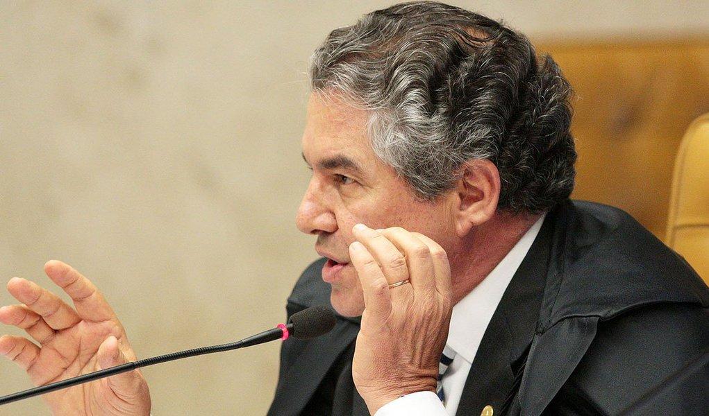 Ministro diz que Brasil não precisa de mais leis, mas de homens públicos que observem as existentes; segundo ele, o TSE deve aumentar as punições e até processar o político por abuso de poder; representação pode acarretar em perda da própria candidatura