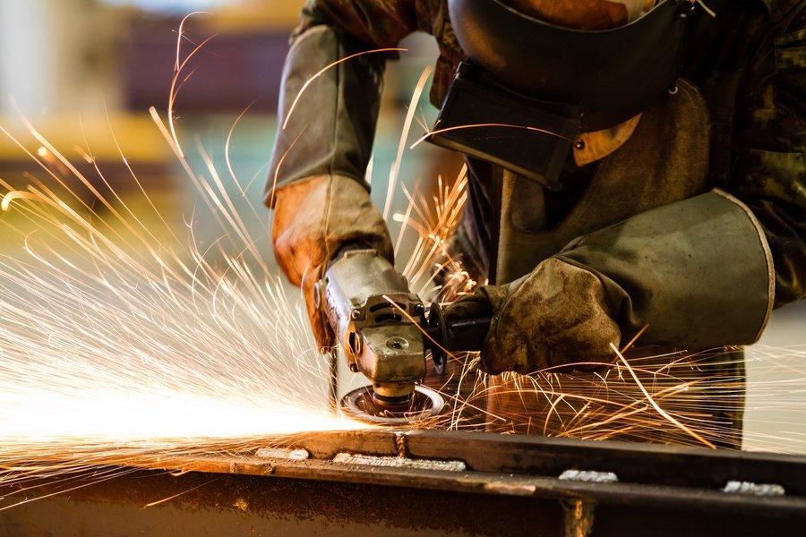 O Paraná criou 45.671 empregos com carteira assinada no primeiro trimestre do ano; em março, o estado teve o quarto melhor desempenho do país na criação de empregos com um saldo de 5.940 postos de trabalho, equivalente ao crescimento de 0,22% em relação ao estoque de assalariados do mês anterior, segundo dados divulgados pelo Caged, do Ministério do Trabalho