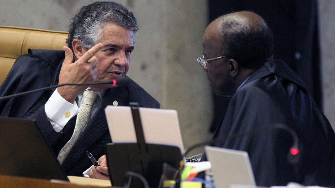 """Em entrevista ao Globo, o ministro que, na semana passada, manobrou para adiar o voto de Celso de Mello, diz que o STF está """"à beira do precipício"""" e chega até a sugerir protestos na próxima quarta-feira contra o tribunal; """"a sociedade pode se manifestar, porque mostrou que não está apática"""", diz ele; alinhado com Joaquim Barbosa, o ministro fala que haverá """"decepção"""" com a suprema corte, mas não se mostrou tão favorável ao clamor das ruas quando, por exemplo, soltou o banqueiro Salvatore Cacciola, permitindo sua fuga; julgamento da Ação Penal 470 virou vale-tudo?"""