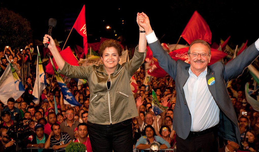 Governador do Rio Grande do Sul diz que só irá se apresentar na disputa de 2014 se a presidente Dilma Rousseff não apoiar no Estado as candidaturas de partidos aliados no plano federal, como do PDT e do PMDB; além disso, exige a aprovação do projeto de lei que muda o indexador da dívida dos Estados com a União