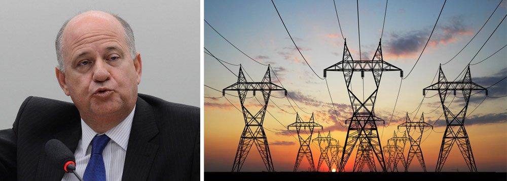 Márcio Zemmermann, secretário executivo do Ministério de Minas e Energia, afastou nesta segunda-feira 2 a possibilidade de adoção de racionamento de energia no Brasil até o ano que vem; ele negou também que vá faltar energia durante a Copa do Mundo, que começa no dia 12 deste mês