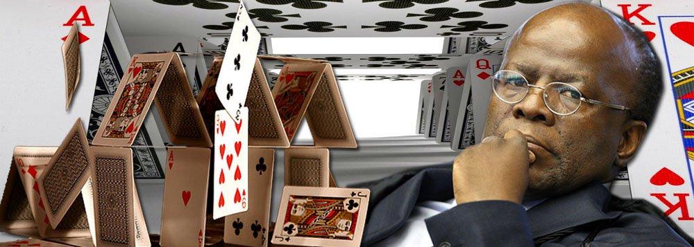 """Em artigo exclusivo para o 247, o jornalista Breno Altman narra a derrota jurídica de Joaquim Barbosa, aponta seus inacreditáveis insultos que atingem até a presidente Dilma Rousseff – um deles configurando crime de Estado – e prevê o fracasso de sua aventura política; """"O ministro Barbosa afunda-se em um pântano de mentiras e artimanhas antes de ter dado sequer o primeiro passo para atravessar a praça rumo ao Palácio do Planalto"""", diz ele; sobre seu destino, um vaticínio: """"Ao final dessa jornada, o chefe atual da corte suprema sucumbirá ao ostracismo próprio dos anões da política e da justiça""""; leia a íntegra"""