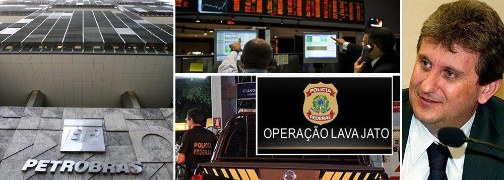 """Presidente da estatal, Graça Foster entrega pessoalmente a delegados da Polícia Federal documentos solicitados antecipadamente nas investigações da Operação Lava Jato; colaboração evitou busca e apreensão; empresa """"cumpriu imediatamente Ordem Judicial para entregar documentação referente a uma específica contratação"""", registrou comunicado da Petrobras; na bolsa de São Paulo, papeis da companhia tiveram alta de 2,5%; PF cumpriu em cinco cidades 21 mandados de busca e apreensão, prisão temporária e condução coercitiva; preso, doleiro Alberto Youssef pode estar contando o que sabe"""