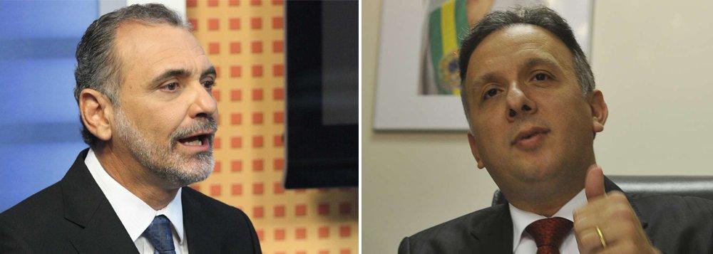 """Deputado Nelson Pelegrino, do PT baiano, prometeu fazer requerimento à Comissão de Orçamento da Câmara questionando o motivo de, segundo ele, o Ministério das Cidades ter deixado de liberar emendas de parlamentares petistas; """"Trata-se de puro descaso ou de uma manobra da pasta"""", diz ele; oPP é um dos aliados que não garantem renovação de aliança com o PT para campanha de reeleição de Dilma em outubro"""