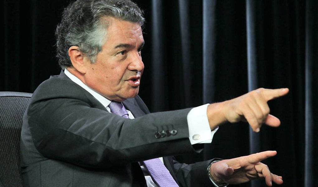 Em entrevista à revista Conjur, o ministro Marco Aurélio Mello, do Supremo Tribunal Federal, afirma que uma eventual decisão da corte a favor da correção da poupança provocará o socorro, pelo Tesouro, dos bancos oficiais