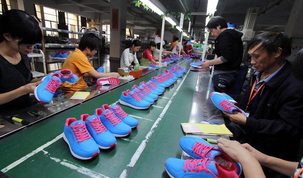 O crescimento do setor de serviços da China atingiu mínima de quatro meses em dezembro uma vez que as expectativas de negócios caíram, mostrou pesquisa do governo, ampliando as evidências de que a segunda maior economia do mundo perdeu força no final de 2013