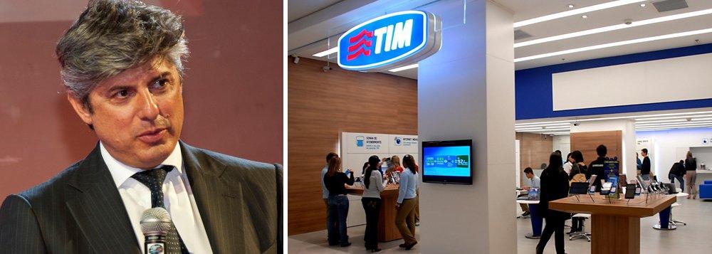 """O presidente executivo da Telecom Italia, empresa que controla a TIM, Marco Patuano, reconheceu nesta quarta (28) que os serviços de telefonia prestados pela empresa no Brasil ainda não estão com o nível de qualidade ideal; """"A situação está melhorando, porém o patamar que chegamos não é o ideal que o cliente tem que receber. Em particular nos dados, o país é jovem, gosta da experiência multimídia. Não estamos no nível que deveríamos estar como indústria, mas estamos trabalhando muito forte"""", disse, ao sair de reunião com o ministro das Comunicações, Paulo Bernardo"""
