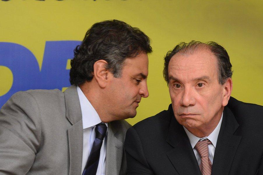 Em sua coluna deste domingo, a jornalista Dora Kramer crava que o senador Aloysio Nunes (PSDB/SP) será o vice na chapa de Aécio Neves (PSDB-MG) e, assim, os tucanos irão para 2014 numa chapa puro-sangue
