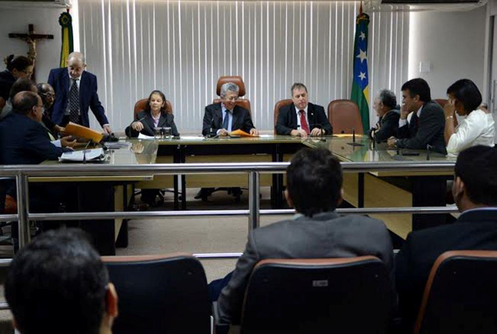 Projeto foi aprovado nesta quarta (23), por unanimidade, na Comissão de Saúde, presidida pelo deputado estadual Gilson Andrade (PTC); os parlamentares seguiram o voto do relator Zé Franco (PDT) e aprovaram, por unanimidade, o empréstimo de R$ 250 milhões para a saúde pública; Pró-Redes está agora na comissão de Finanças; o deputado Paulinho da Varzinhas (PT do B) é o relator